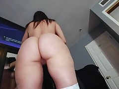 Boyfrend oils butt of gorgeous chick in advance of banging her snatch